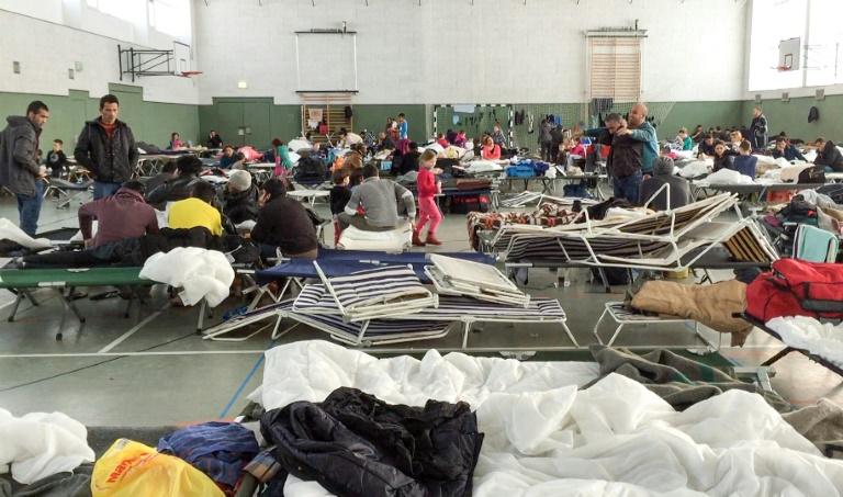 Lehrerverband: Nach Rückgang der Flüchtlingszahlen Turnhallen wieder freigeben (© 2016 AFP)