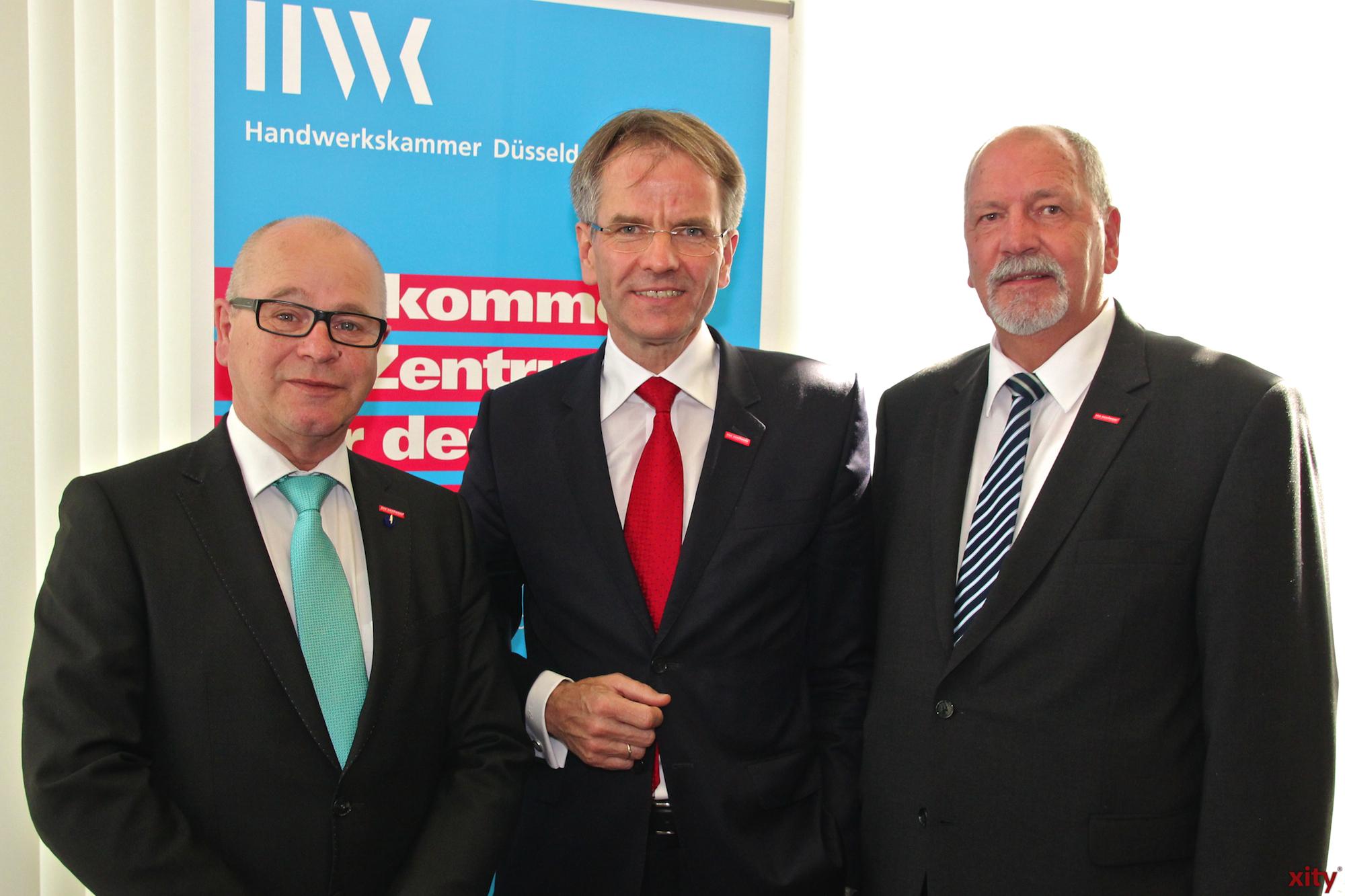 Andreas Ehlert (mitte) für weiter fünf Jahre im Amt(Foto: xity)