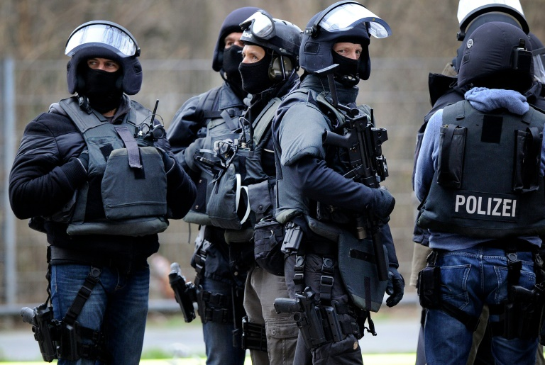 Keine Beweise für Terrorverdacht gegen zwei in München festgenommene Männer (© 2016 AFP)