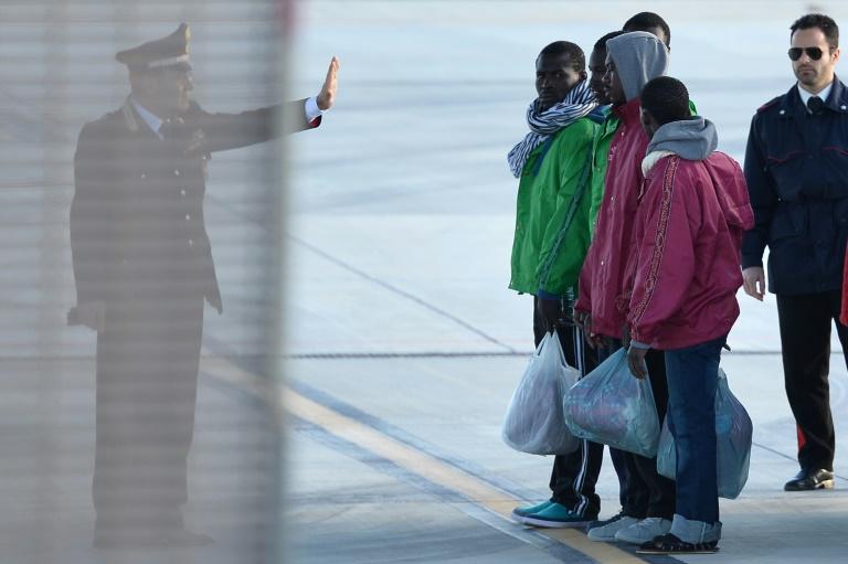 Merkel will Flüchtlingsabkommen mit Libyen nach Türkei-Vorbild (© 2016 AFP)