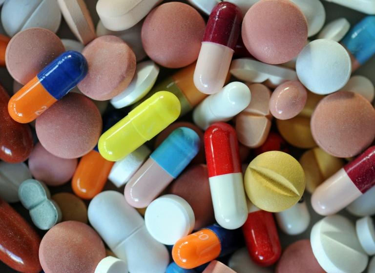Patienten müssen für Medikamente immer mehr aus eigener Tasche zahlen (© 2016 AFP)