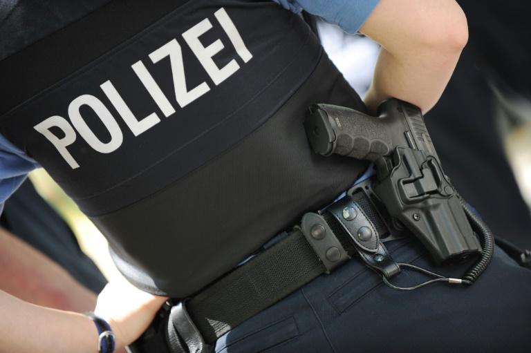 Mann verletzt Ehefrau in Hamburger Bäckerei lebensgefährlich mit Messer (© 2016 AFP)