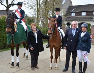 Die Platzierten LK 4 mit Anne-Hanne Siepenkothen und Egon Klassen (Foto: PSV Düsseldorf)