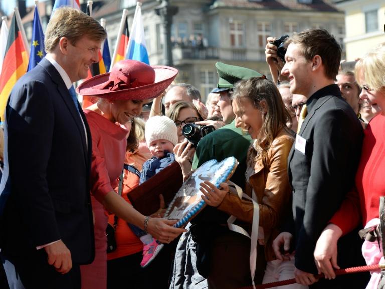 Niederländisches Königspaar in München begeistert empfangen (© 2016 AFP)