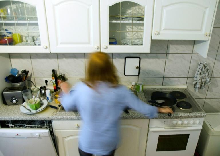Frau muss 15,59 Euro Monatsmiete für nicht vorhandene Einbauküche zahlen (© 2016 AFP)