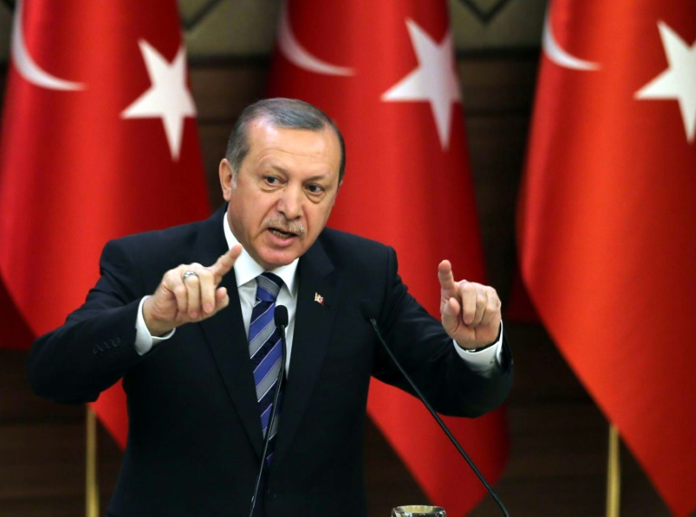 Strafverfolgung Böhmermanns wegen Erdogan-Satire weiter offen (© 2016 AFP)