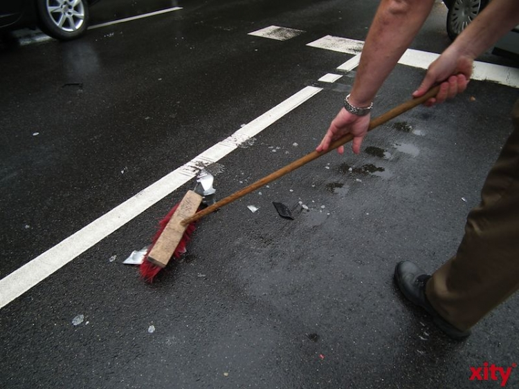 A 59: Betrunkener Heranwachsender fährt Audi des Vaters zu Schrott (Foto: xity)