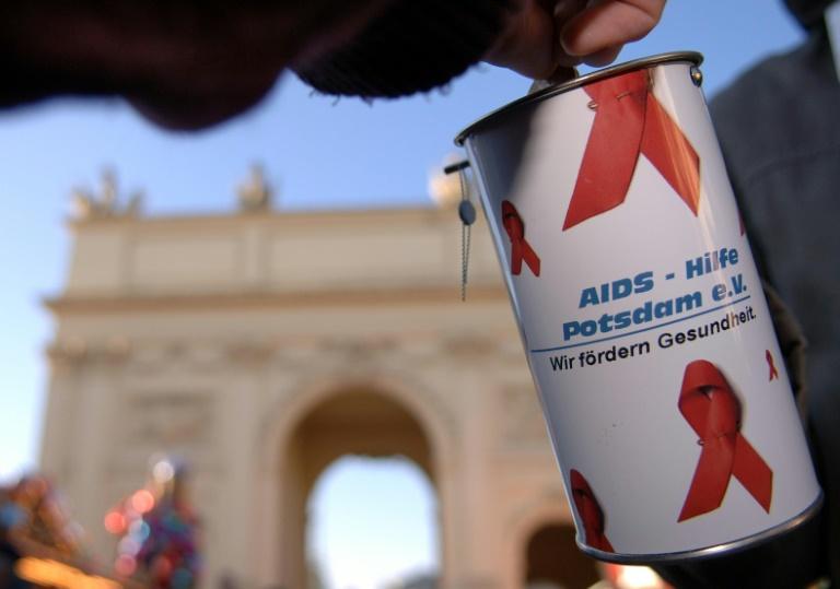Deutsche spendeten 2015 erneut deutlich mehr Geld (© 2016 AFP)