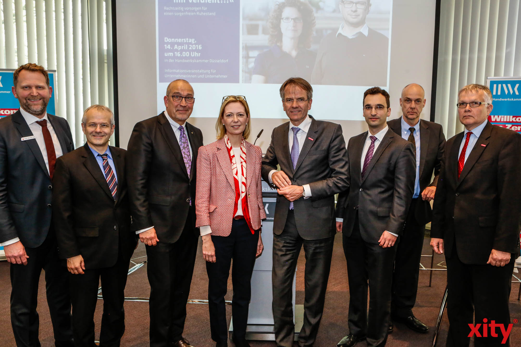 (v.l.) Erwin van der Hout, Jörg Hagedorn, Ulrich Scheele, Rita Lansch, Andreas Ehlert, Agran Bicaj, Dr. Rüdiger Gottschalk und Hubert Kersting (Foto: xity)