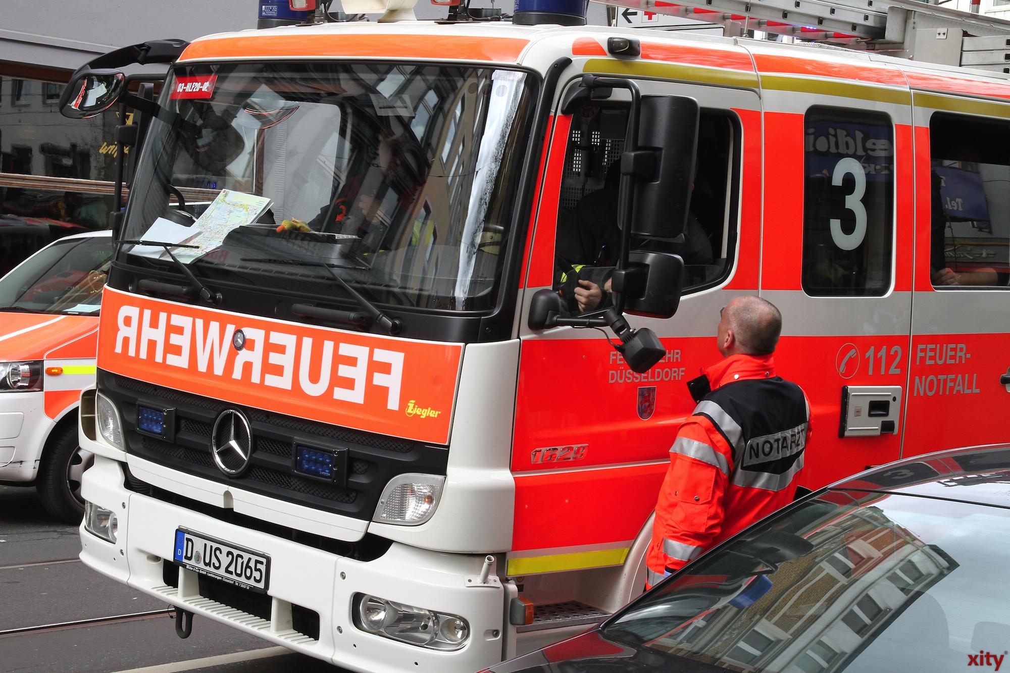 Die Feuerwehr war schnell mit Einsatzfahrzeugen vor Ort (Foto: xity)