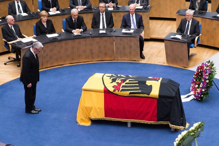 Früherer US-Außenminister würdigt Genscher als Titan unter den Diplomaten (© 2016 AFP)