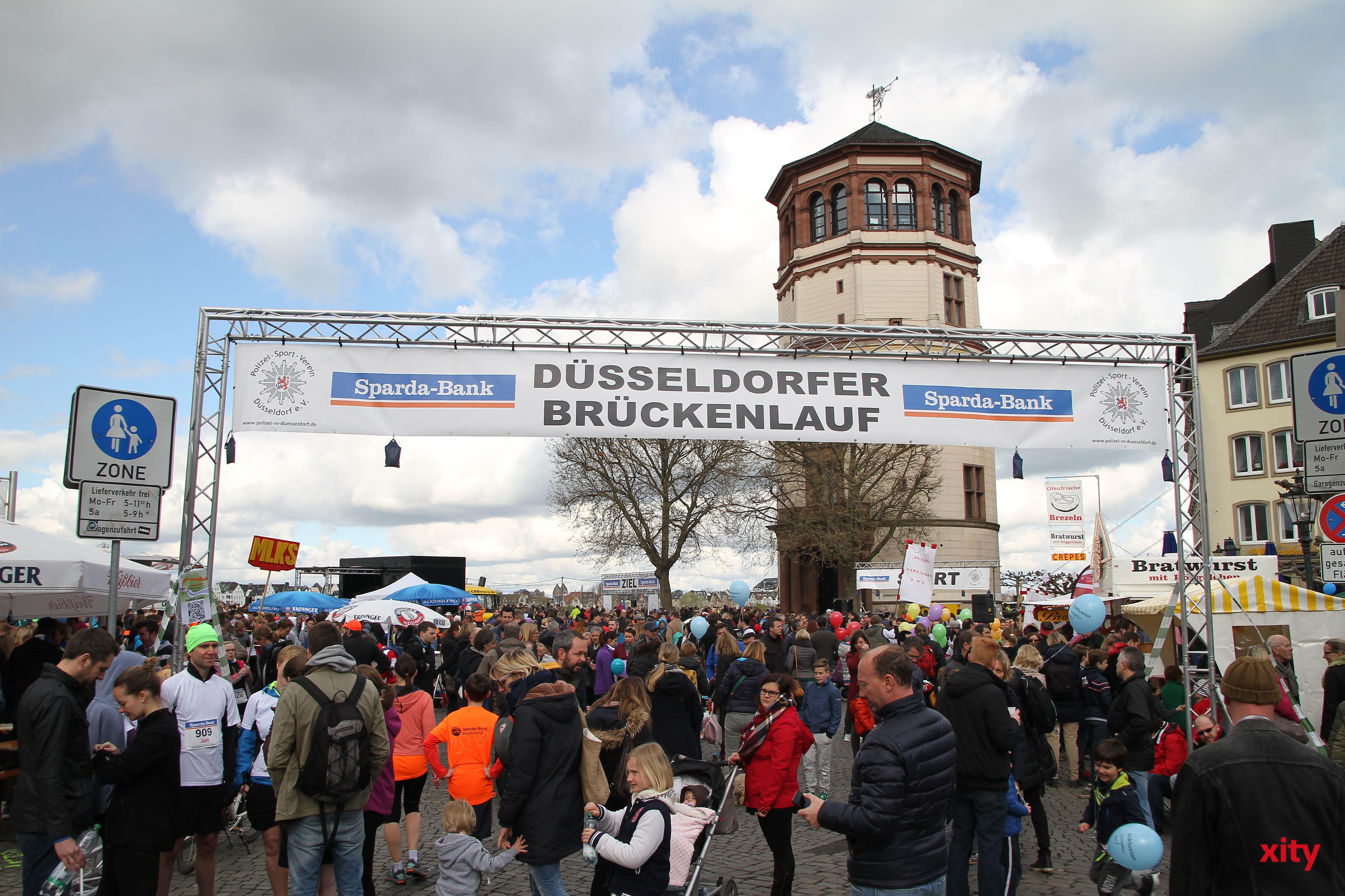 10.000 Zuschauer kamen zur 24. Auflage des Düsseldorfer Brückenlaufs (Foto: xity)