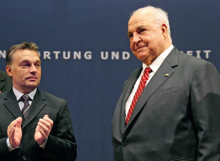 Viktor Orban besucht Helmut Kohl in Ludwigshafen (© 2016 AFP)