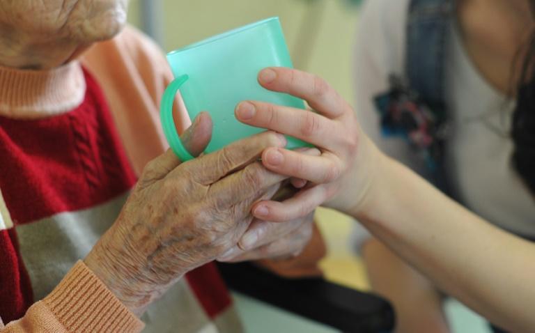 Laumann hält Ausweitung des Skandals um Pflege-Betrug für möglich (© 2016 AFP)