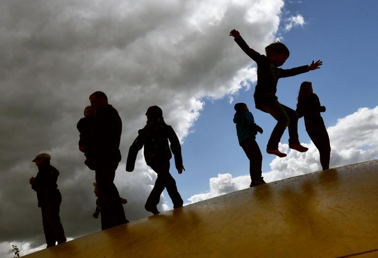 Karlsruhe: Kinder haben kein gesondertes Recht auf Klärung ihrer Abstammung (© 2016 AFP)