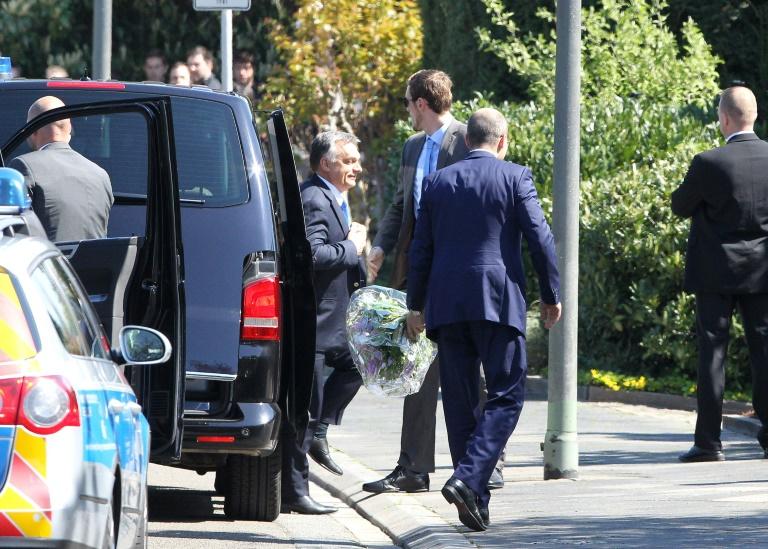 Ungarns Ministerpräsident Orban bei Ex-Kanzler Kohl in Ludwigshafen eingetroffen (© 2016 AFP)