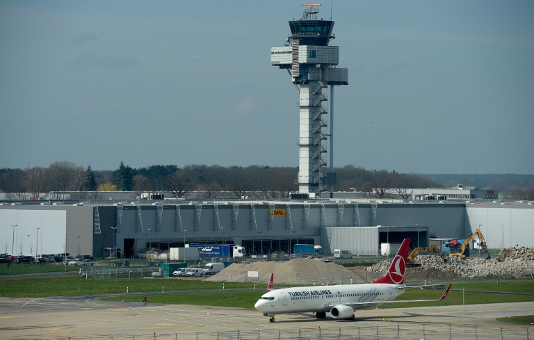 Türkische Behörden setzen ARD-Reporter am Flughafen Istanbul fest (© 2016 AFP)