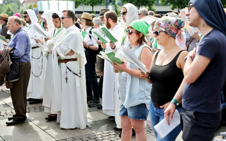 Katholikentag endet mit Aufruf zur menschenwürdigen Behandlung von Flüchtlingen (© 2016 AFP)