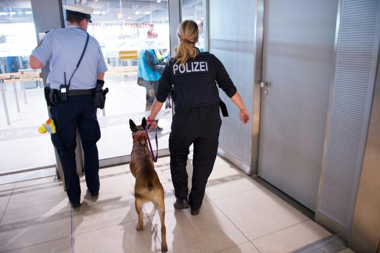 Sicherheitsbereich am Flughafen Köln/Bonn geräumt (© 2016 AFP)