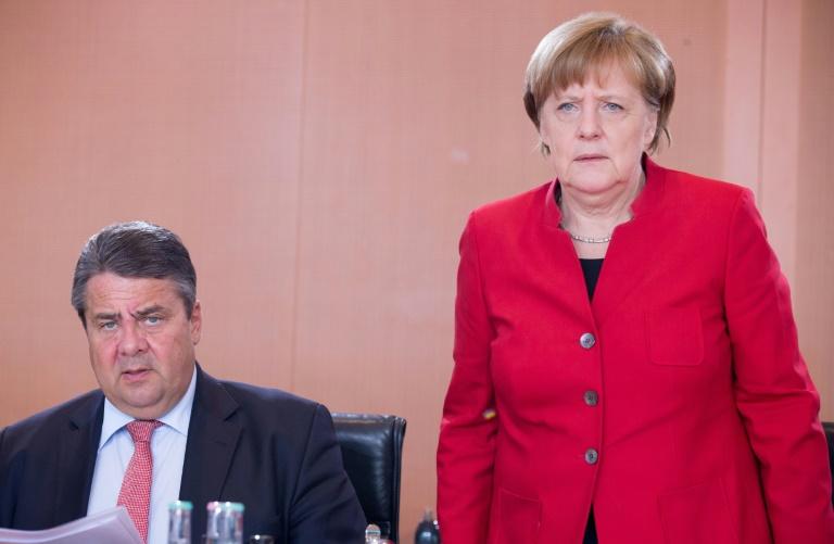 """Große Koalition in """"Bild""""-Umfrage erstmals unter 50 Prozent (© 2016 AFP)"""
