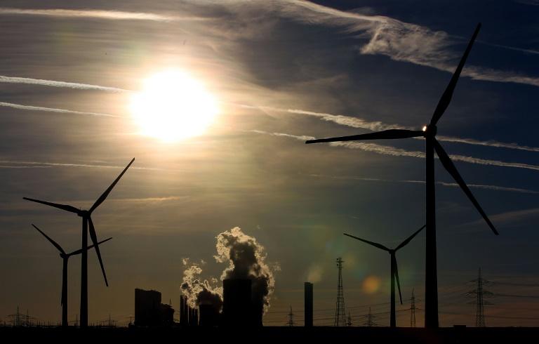 Merkel: Müssen Öko-Strom in marktwirtschaftliches Umfeld führen (© 2016 AFP)