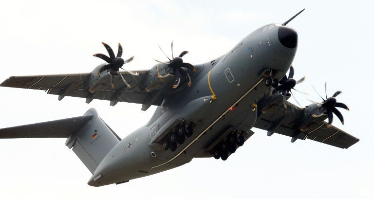 Bundesverteidigungsministerium hält an A400M fest (© 2016 AFP)
