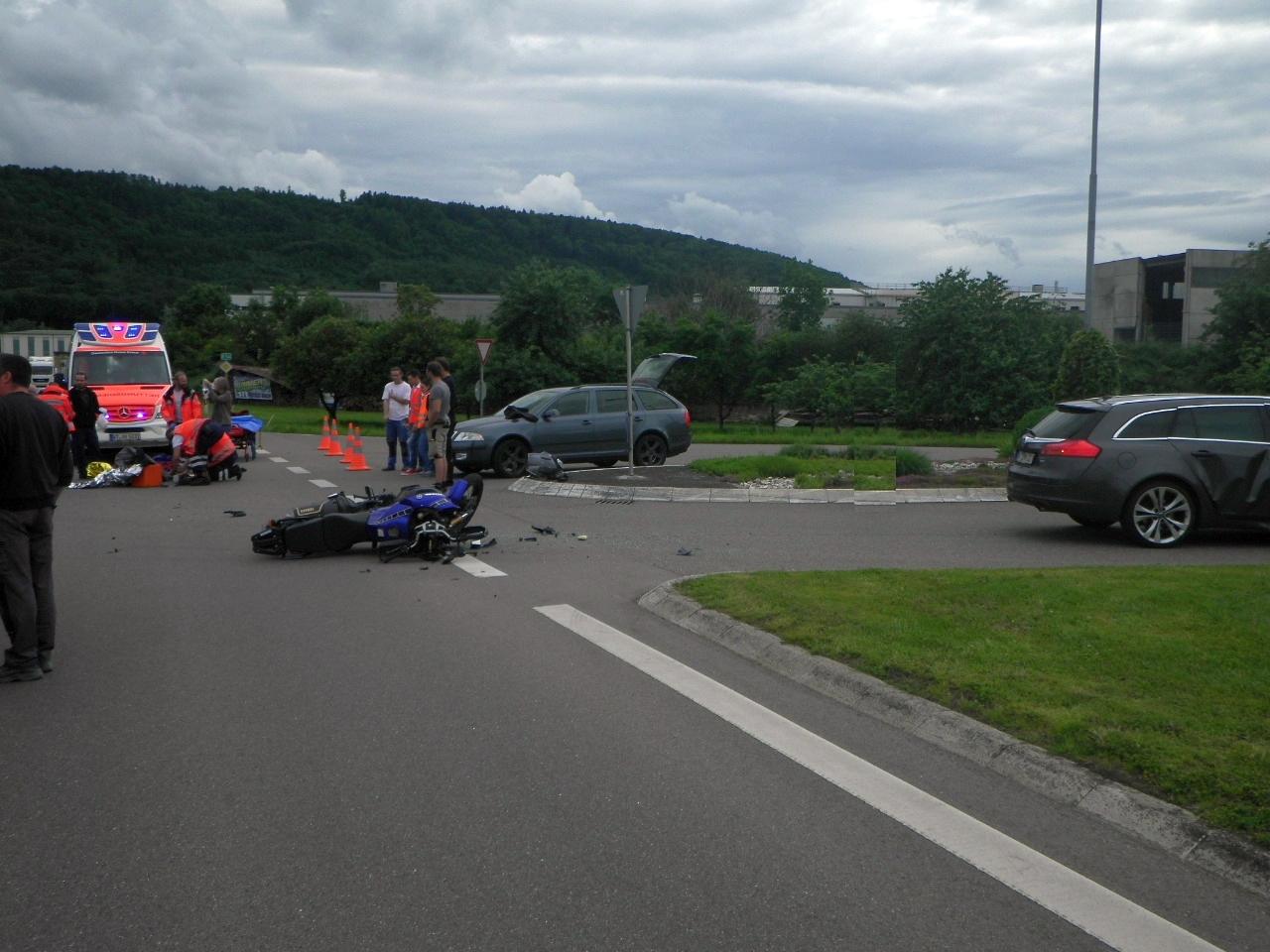 Pkw stößt mit Motorrad zusammen(Foto: OTS)