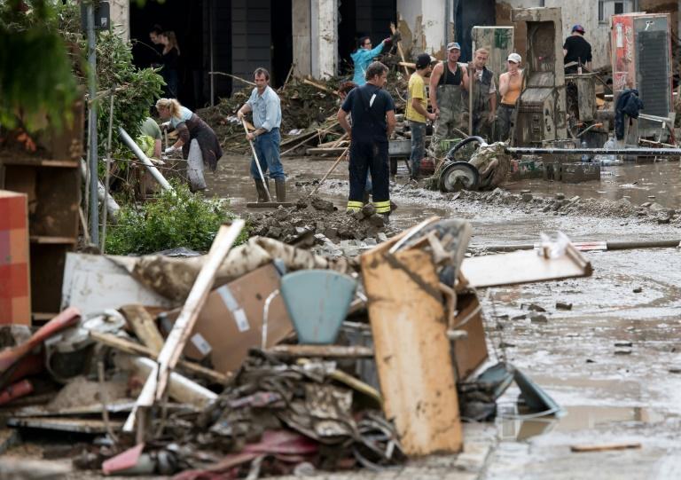 Sechstes Todesopfer nach Hochwasser in Niederbayern geborgen (© 2016 AFP)