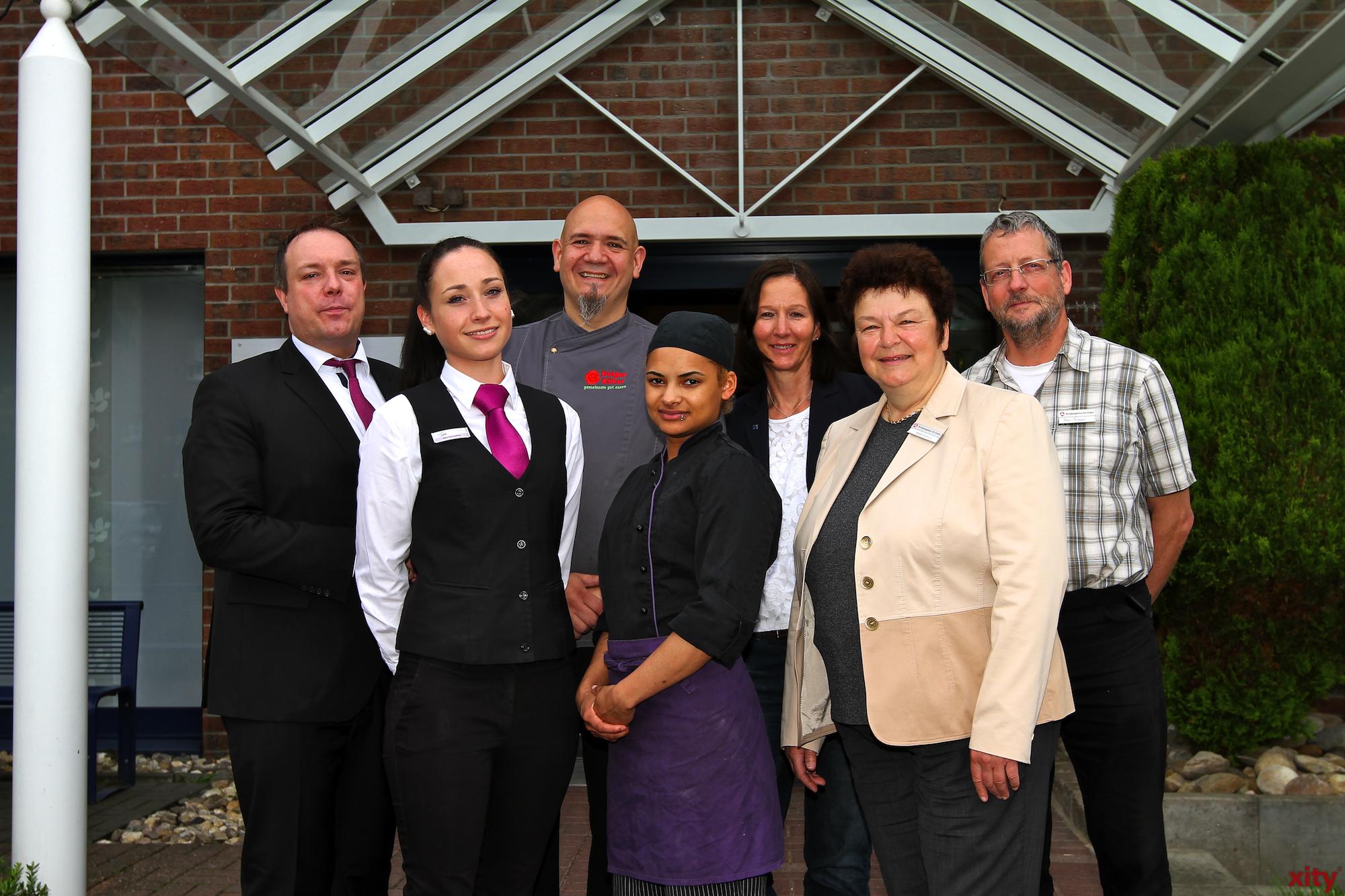 (v.l.) Peter Jost, Kim Derenthal,  Holger Böker,  Samantha Weegen,  Isabel Hausmann, Angela Schoofs und Benno Giesen(Foto: xity)