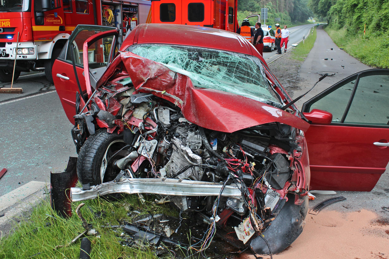 PKW-Fahrer wurde tödlich verletzt ! - ... (Foto: OTS)