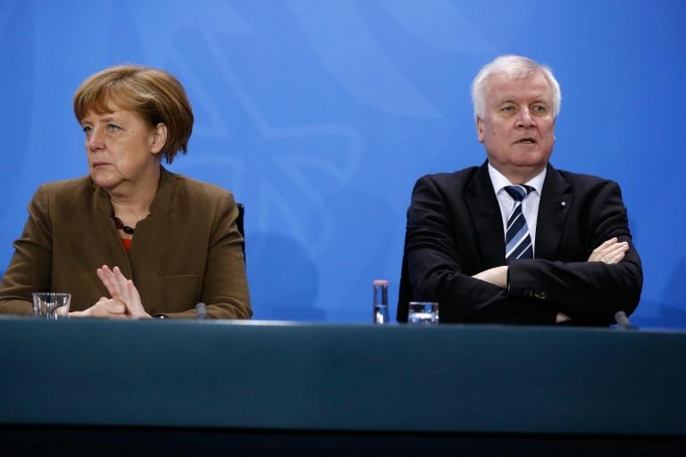 """Seehofer sieht wieder """"Fundament des Vertrauens"""" mit Merkel (© 2016 AFP)"""