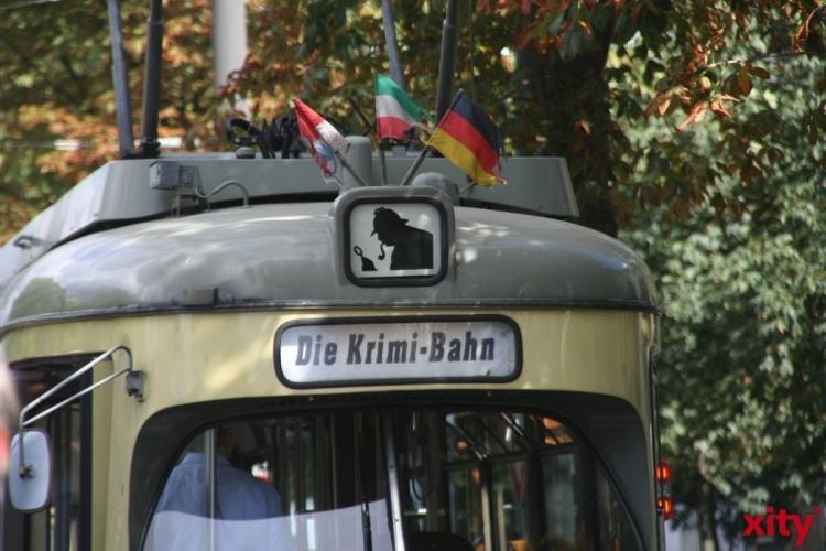 """Die Schauspielerin und Autorin Isabella Archan stellt ihr neues Buch """"Tote haben kein Zahnweh"""" in der Krimi-Bahn vor (Foto: xity)"""