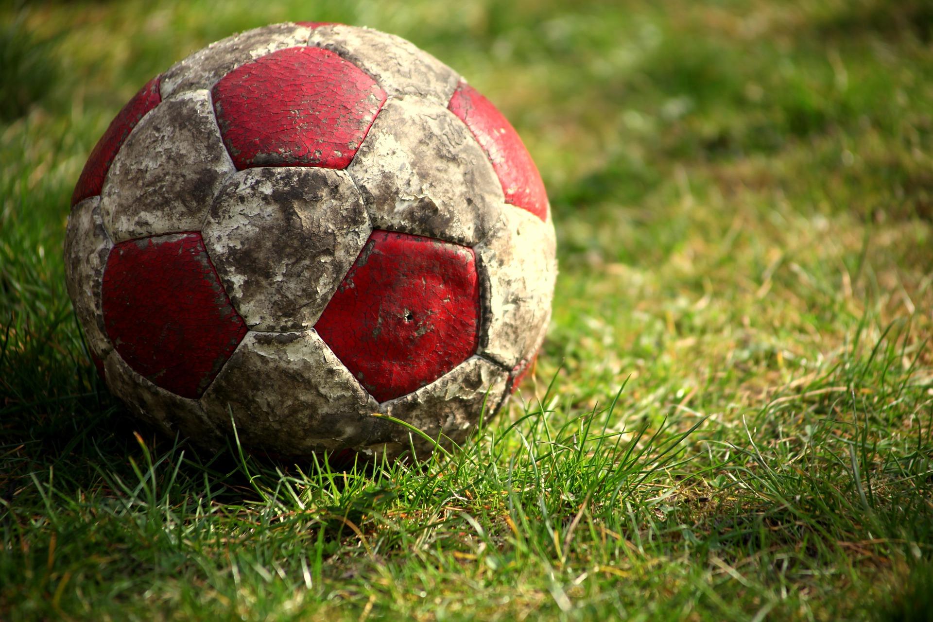 Streit um einen Fußball eskaliert (Foto: OTS)