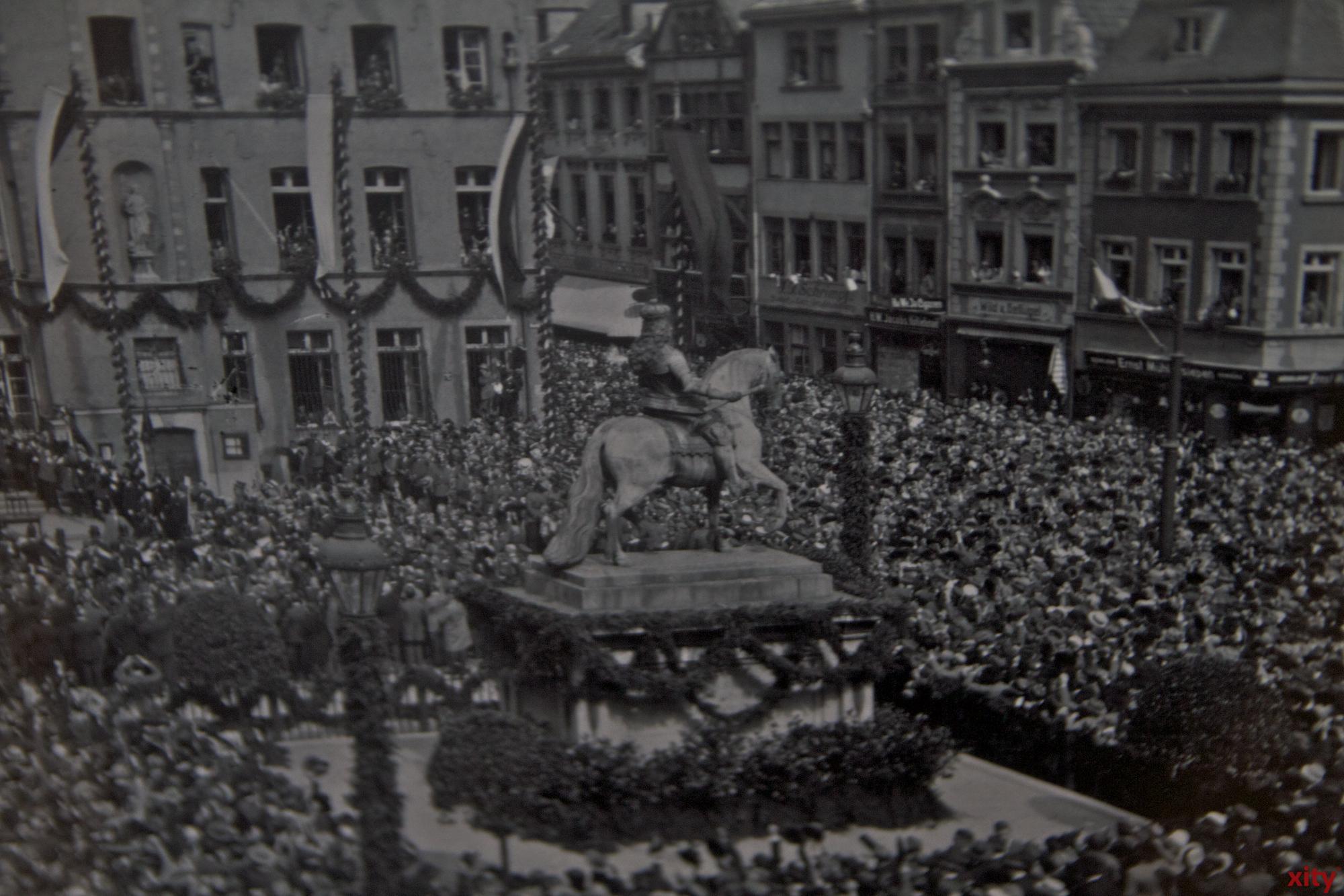 Das Denkmal steht seit 1711 auf dem Marktplatz vor dem Düsseldorfer Rathaus (Foto: xity)