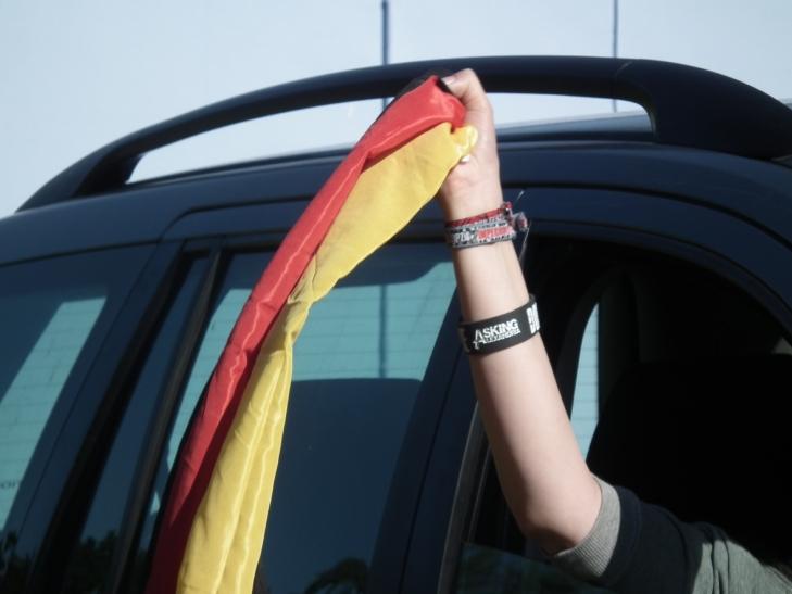 8 Prozent der deutschen Autobesitzer planen, ihr Auto zur Fußball-Europameisterschaft mit Fanartikeln zu schmücken (Foto: xity)