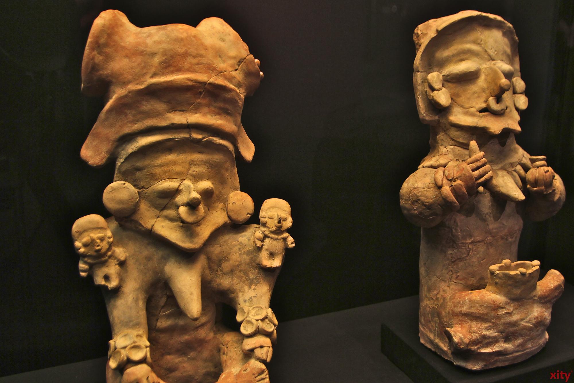 Von Porträts bis Opferschalen sind viele verschiedene Gegenstände in der Ausstellung zu sehen (Foto: xity)