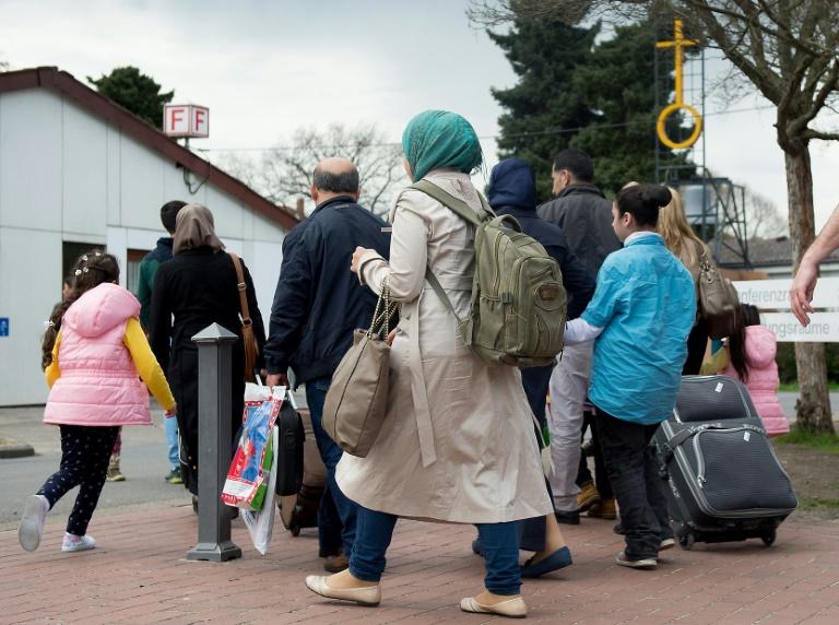 Amnesty International verlangt besseren Schutz für deutsche Flüchtlingsheime (© 2016 AFP)