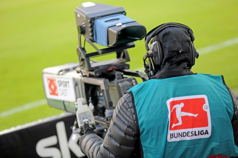 Fußball-Bundesligisten kassieren Rekordeinnahmen für Fernsehrechte (© 2016 AFP)