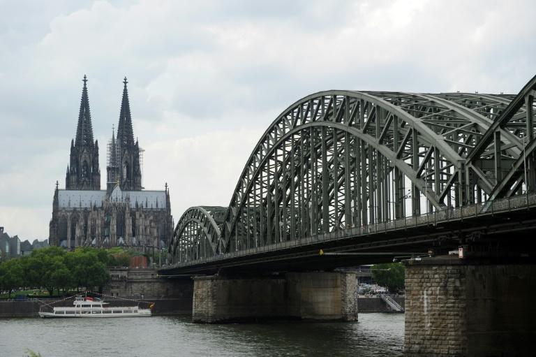 Zeitung: Silvesterfest in Köln soll Zeichen für friedliches Zusammenleben setzen (© 2016 AFP)