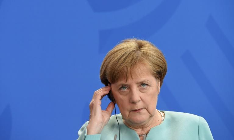 Merkel teilt Lammerts scharfe Kritik an Erdogan (© 2016 AFP)