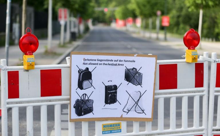 Verschärftes Sicherheitskonzept soll Besucher auf Berliner Fanmeile schützen (© 2016 AFP)