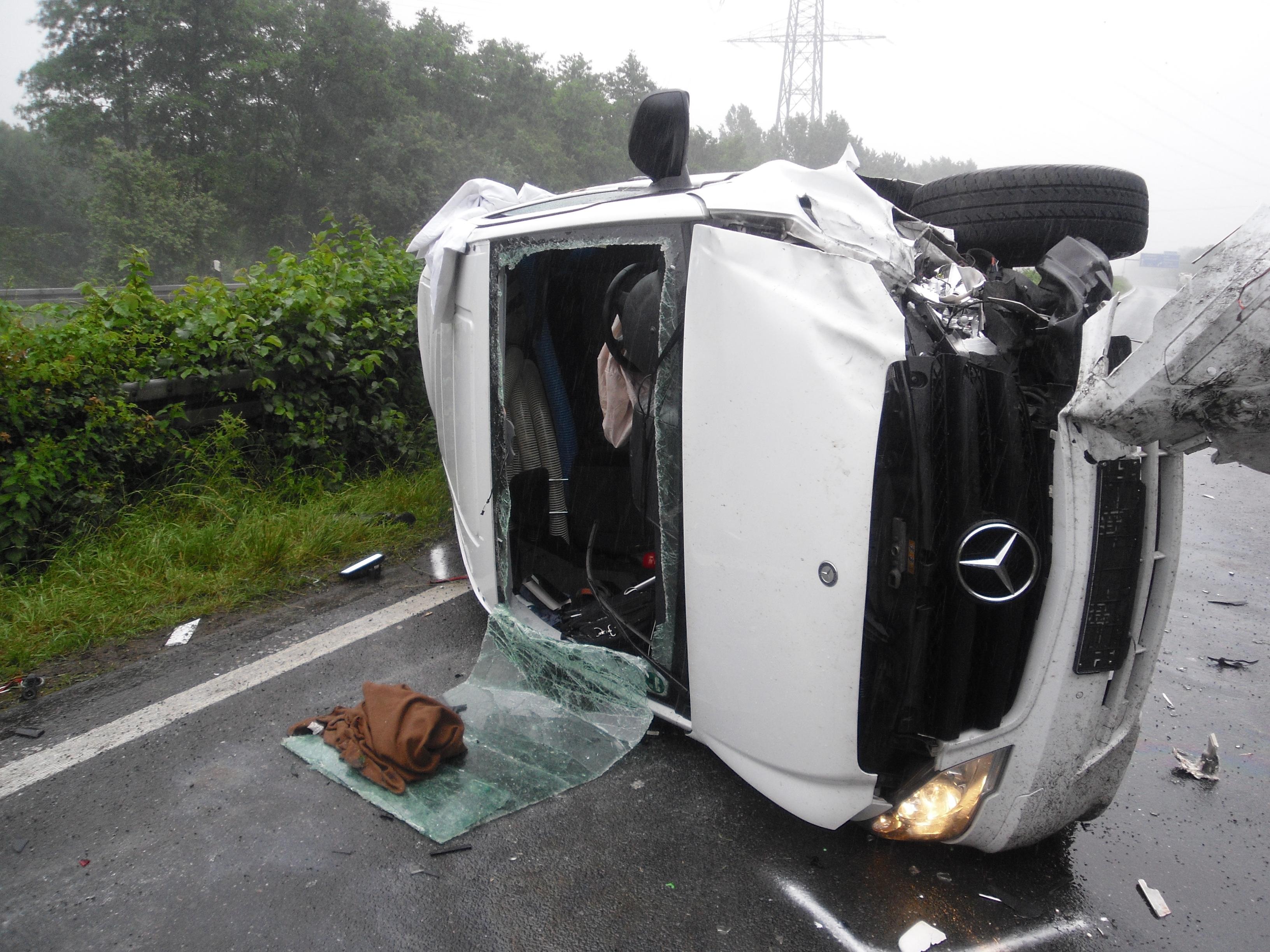 Verkehrsunfall auf A31 (Foto: OTS)