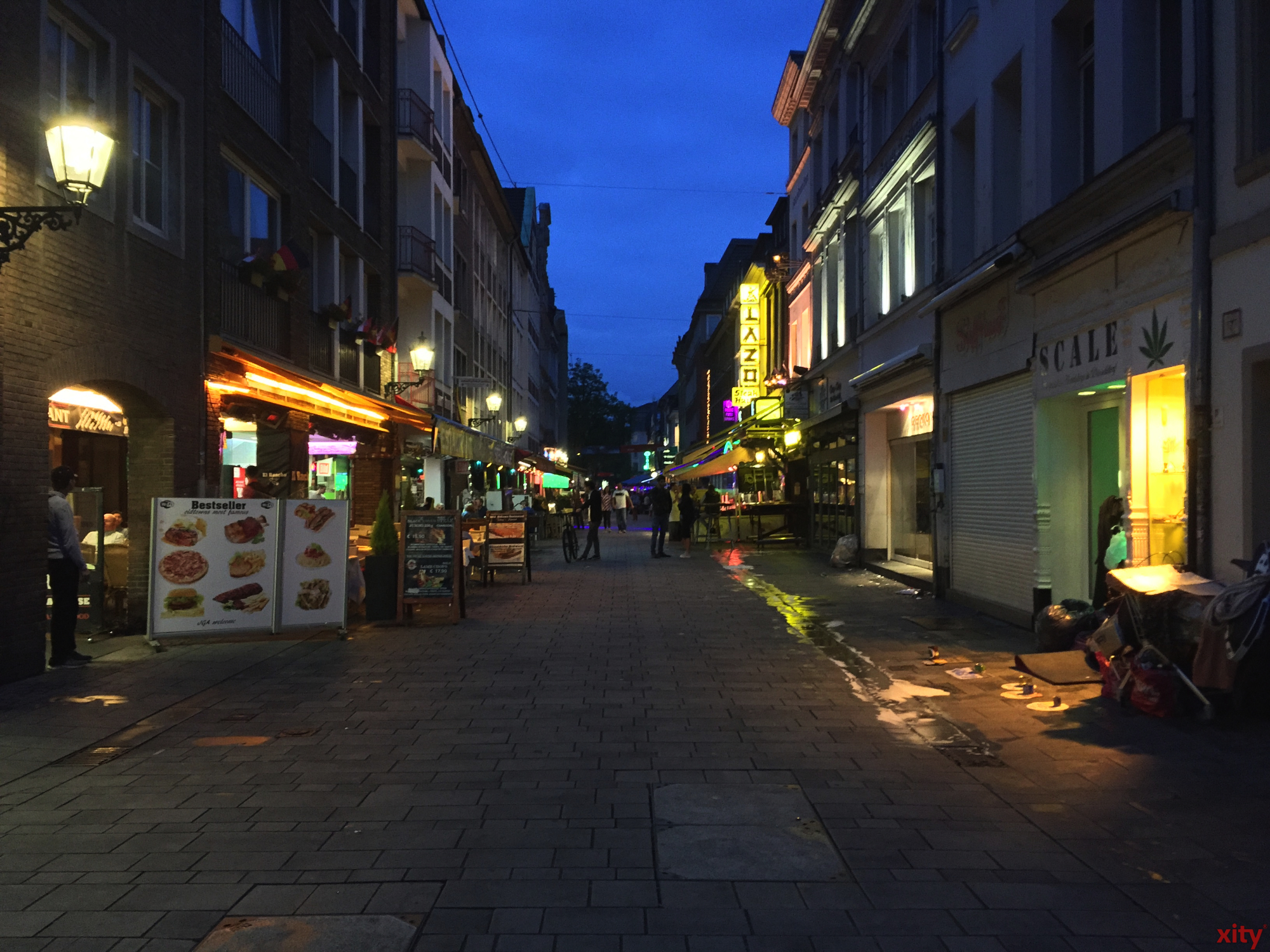 Die Bolker Straße ist selten so leer. (Foto: xity)