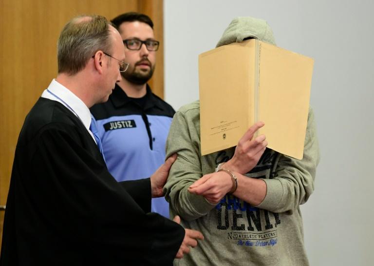 Prozess gegen mutmaßlichen Mörder von Elias und Mohamed begonnen (© 2016 AFP)
