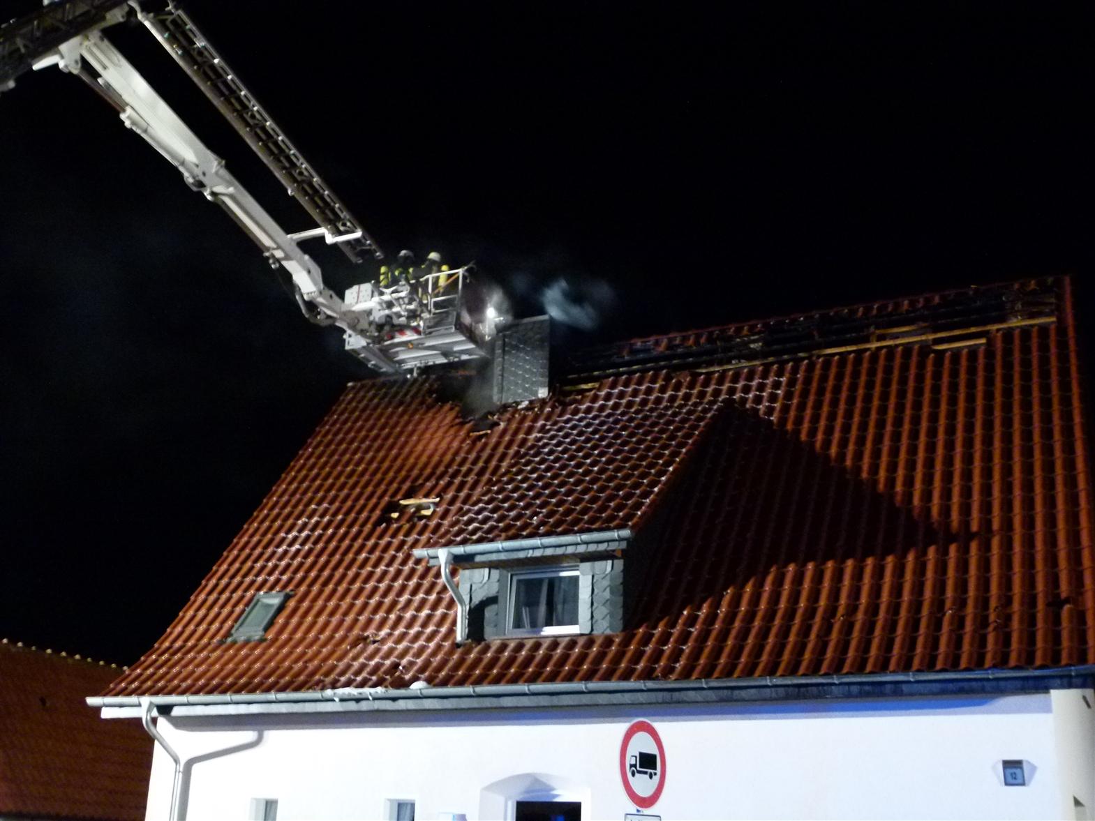 Wohnhaus nach Blitzeinschlag unbewohnbar (Foto: OTS)