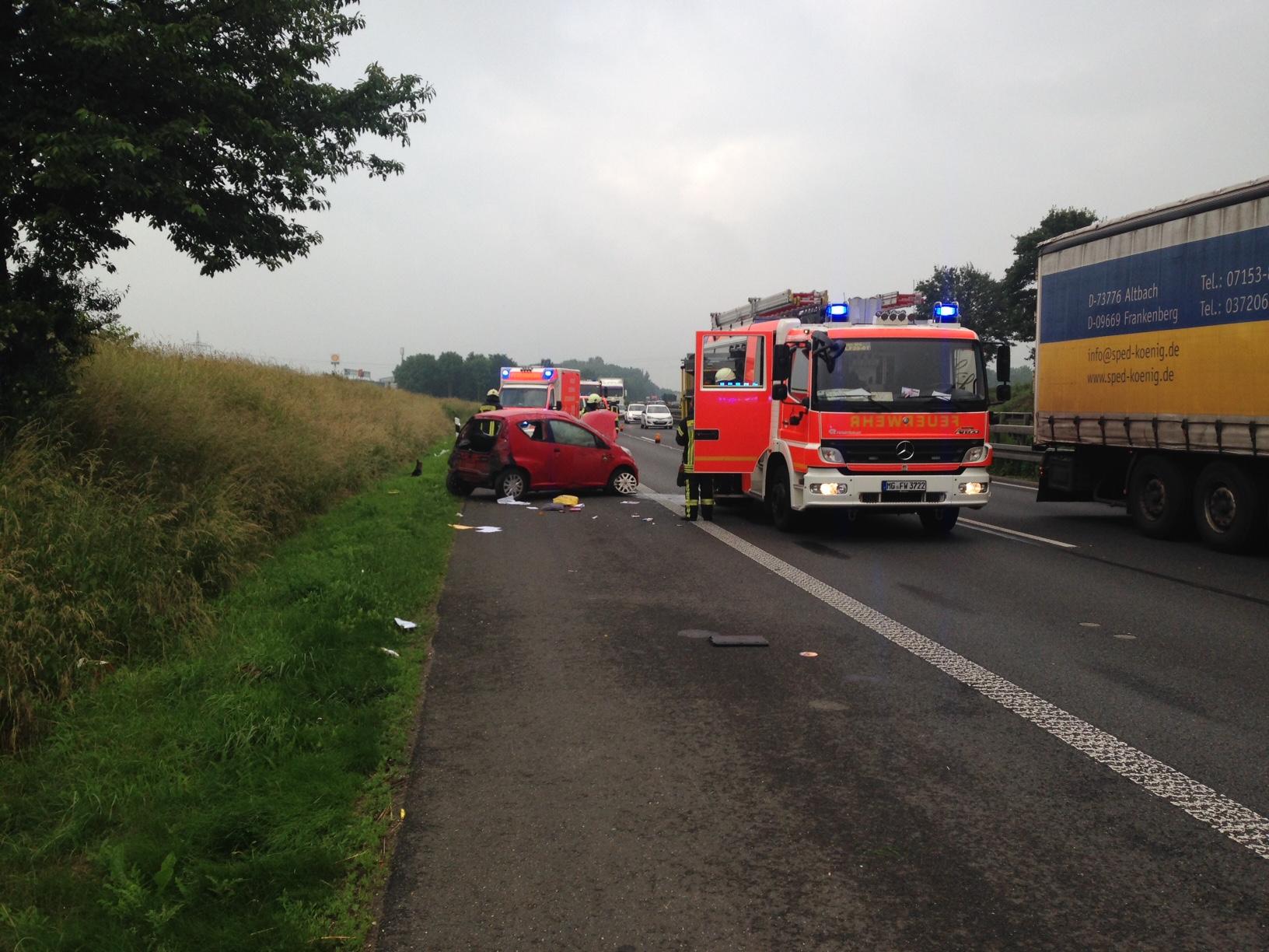 Schwerer Verkehrsunfall auf der BAB 61 (Foto: OTS)