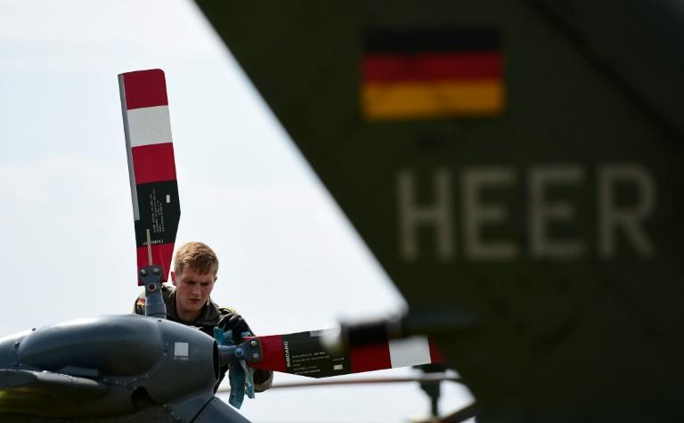 Deutsche Soldaten zeigen in Umfrage nur geringes Vertrauen in eigene Waffen (© 2016 AFP)