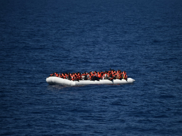 """Kabinett befasst sich mit Ausweitung von Marinemission """"Sophia"""" (© 2016 AFP)"""