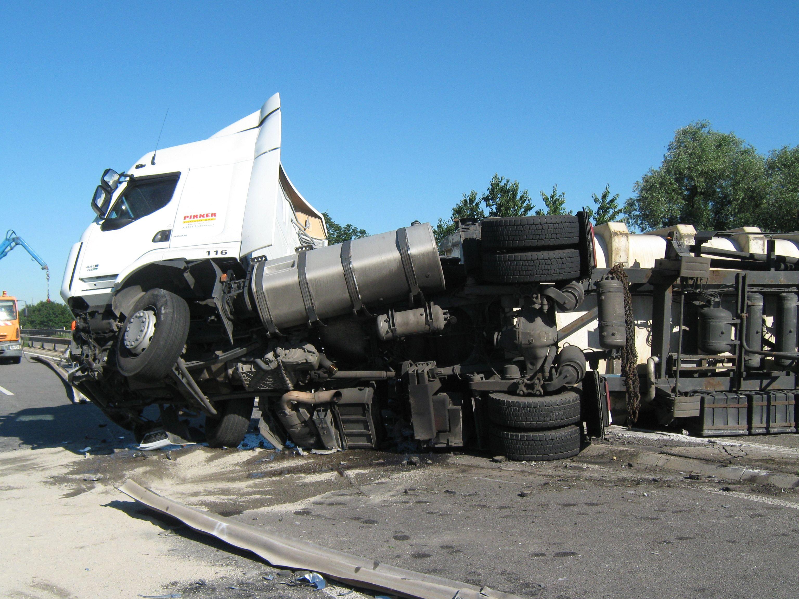 LKW Unfall auf der A 650  (Foto: OTS)