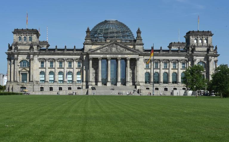 Bundestag beschließt Rechtsvereinfachungen bei Hartz IV (© 2016 AFP)